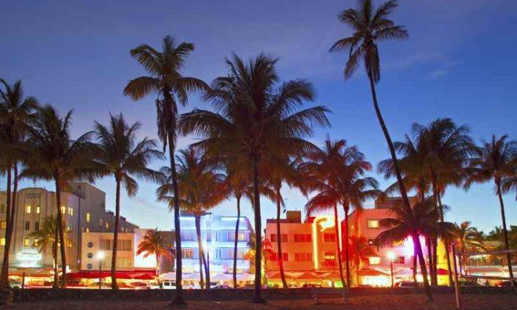 Cheap Flights from Kelowna to Miami