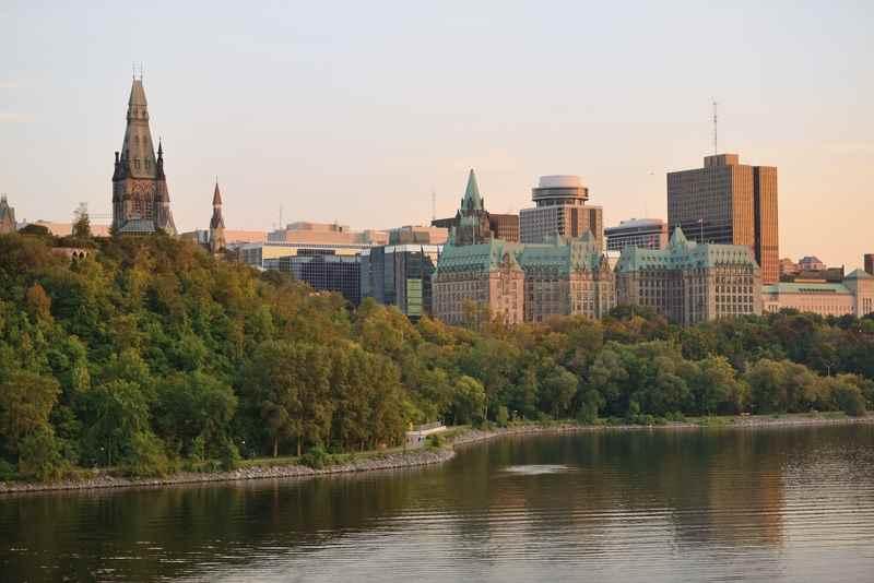 Cheap Flights from Edmonton to Toronto