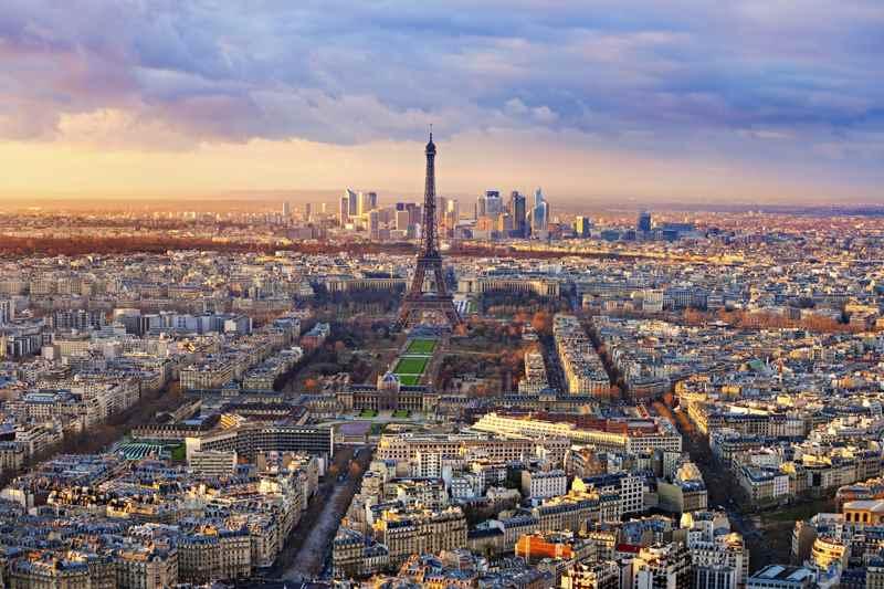 Cheap Flights from Kelowna to Paris