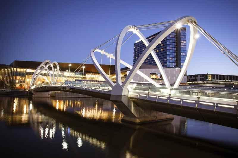 Cheap Flights from Winnipeg to Melbourne